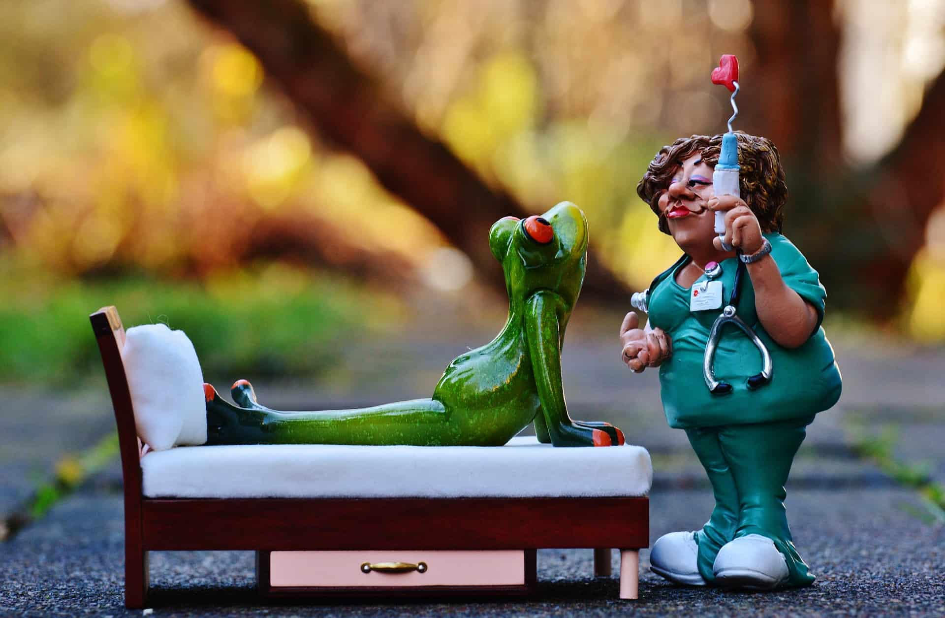Nurse and frog small sculpture